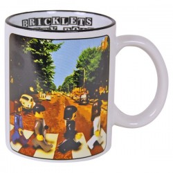 Mug parodique personnage brique style beatles Abbey road